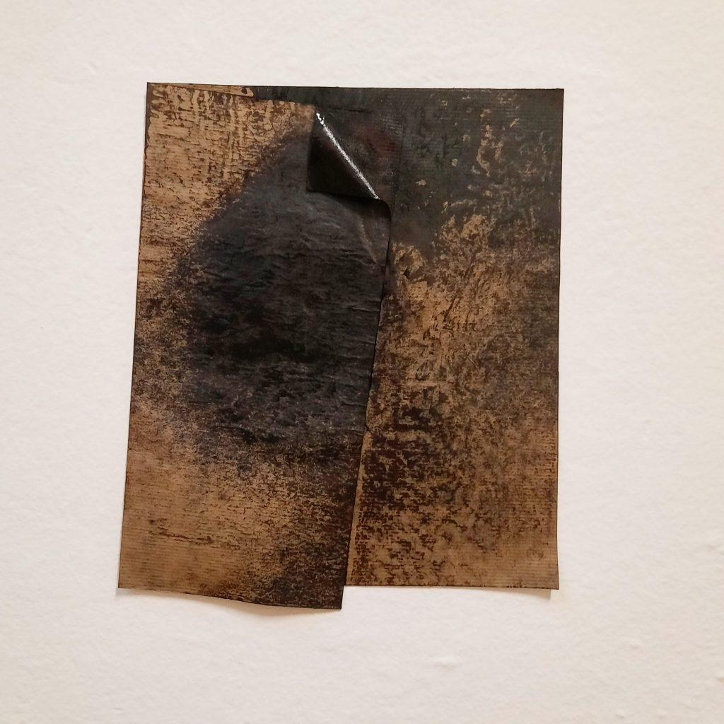 """ANTONIO VIOLETTA """"Senza Titolo"""" 1976 - Carta catramata - 31 x 26 cm"""